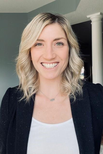 Anne Nightengale headshot