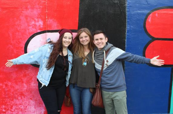 Students at the Berlin Wall