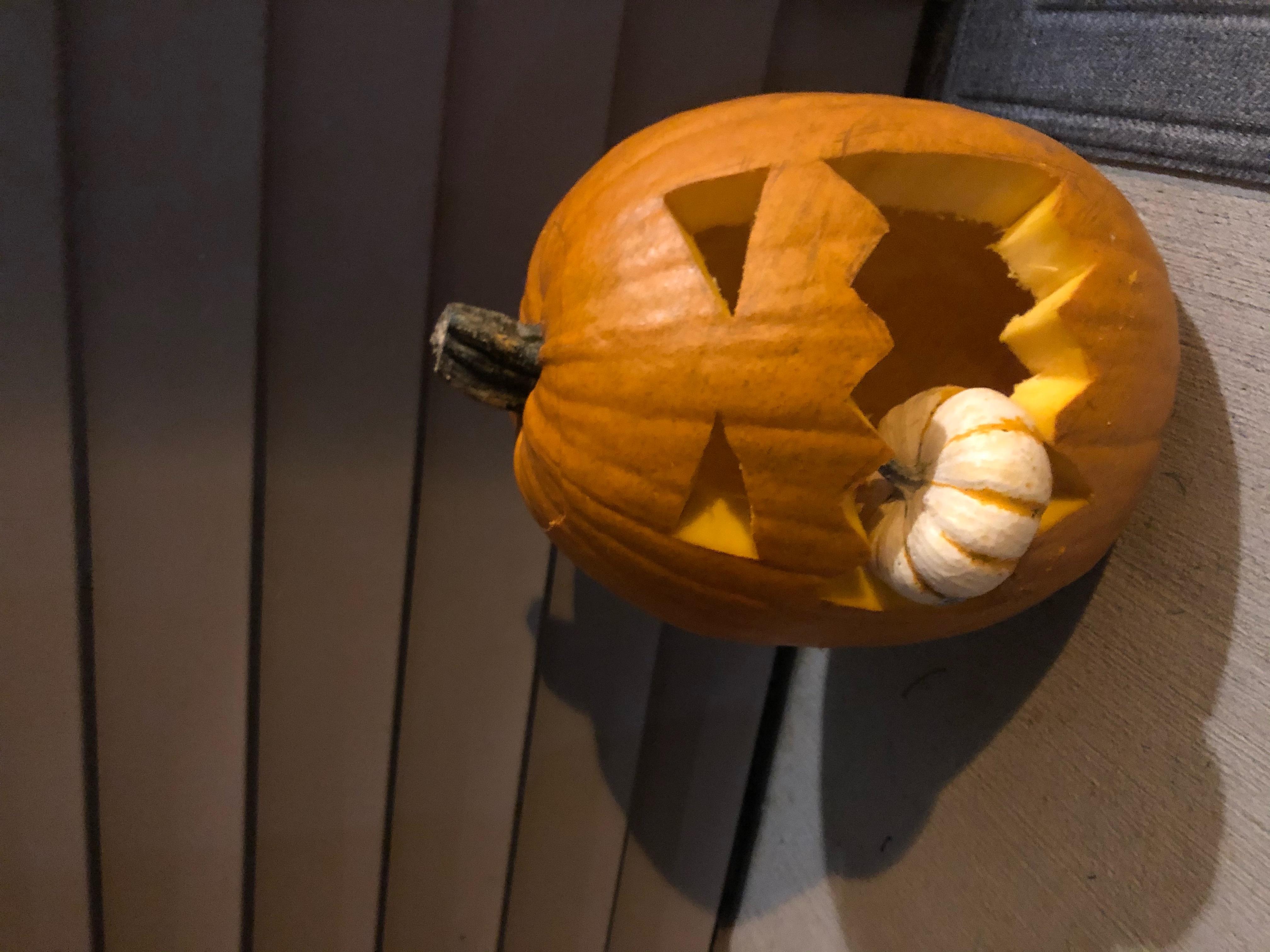 Carved pumpkin(s)