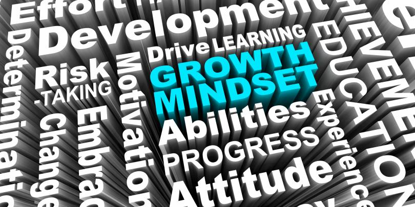 "graphic with words ""growth mindset"""