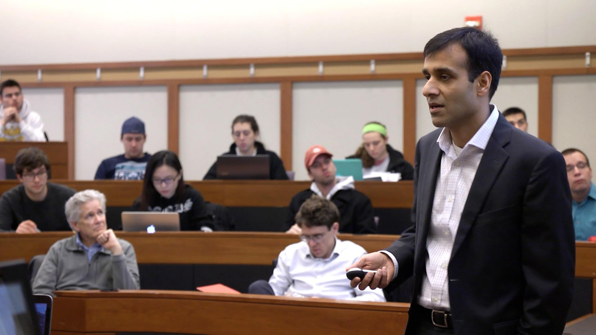 Bhavik Kothari (MBA '04) speaks in class to Fisher students